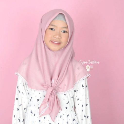 Cyra Jilbab 2